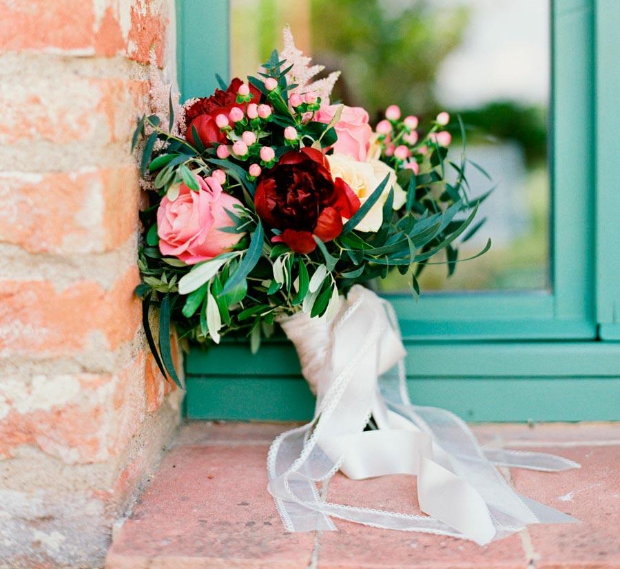 красный букет невесты 3