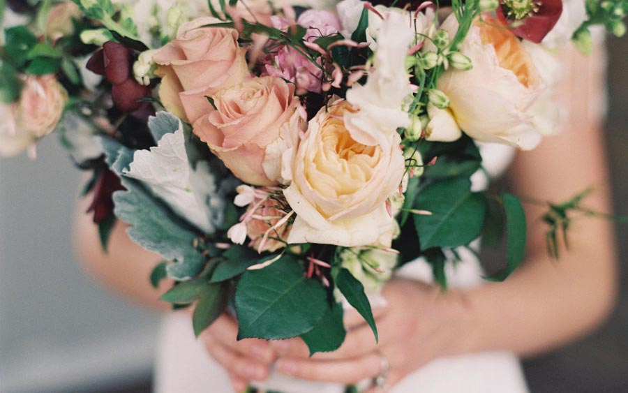 свадебный букет из роз 4