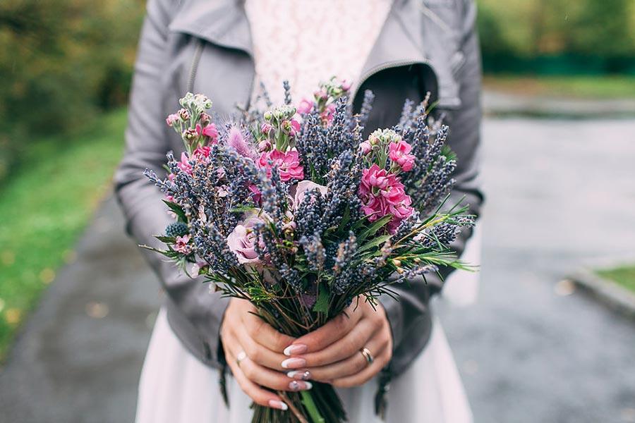 как сохранить цветы в жару 2