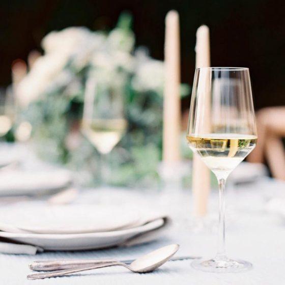 Как выбрать вино на свадьбу — советы сомелье