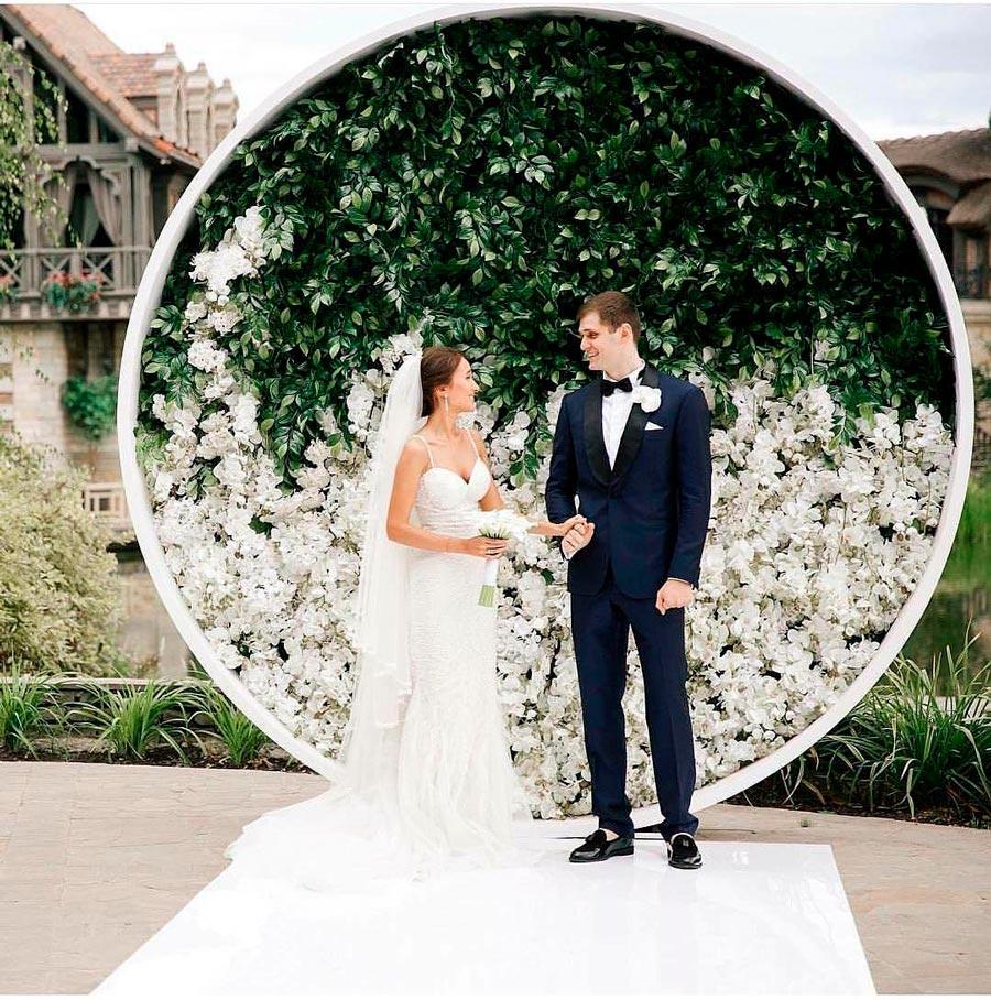 17 идей оформления свадьбы цветами 4