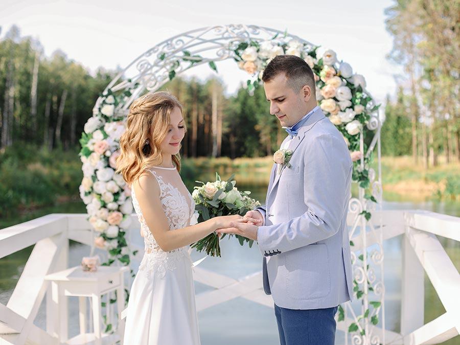 свадебные костюмы для жениха 2019 4