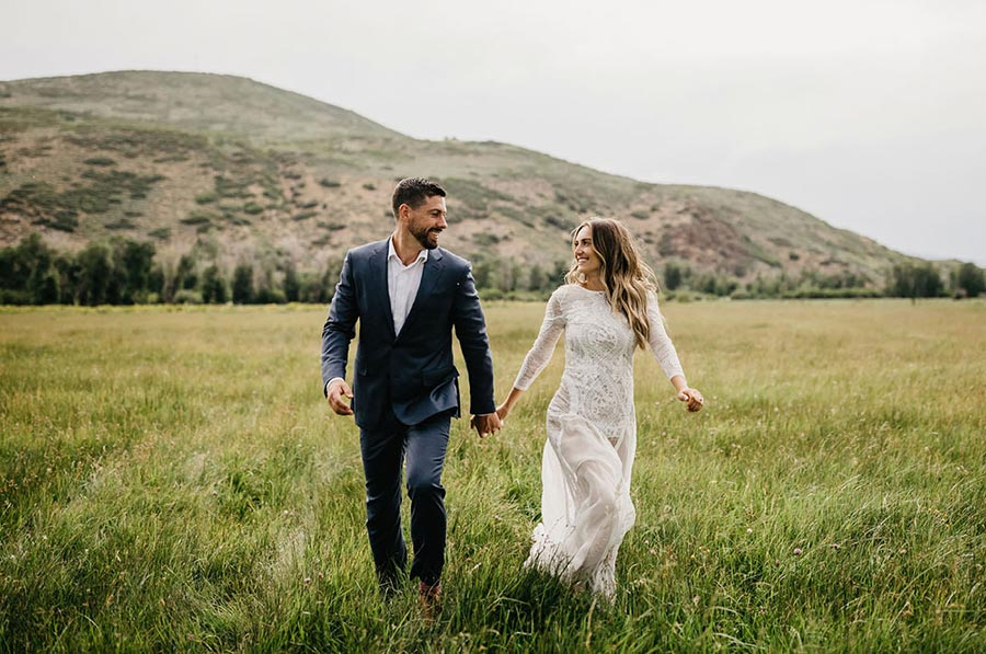 50 потрясающих поз для свадебной фотосессии 17