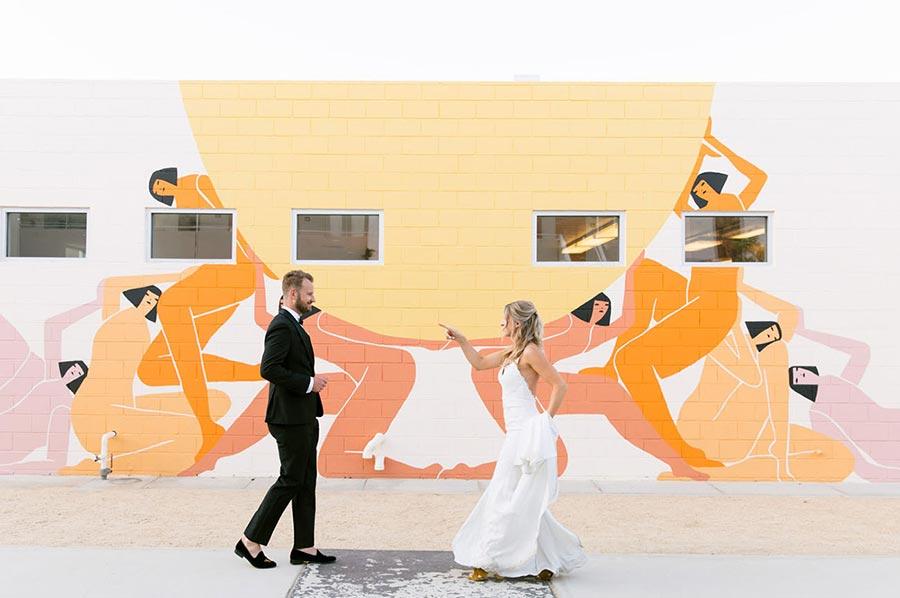 50 потрясающих поз для свадебной фотосессии 22
