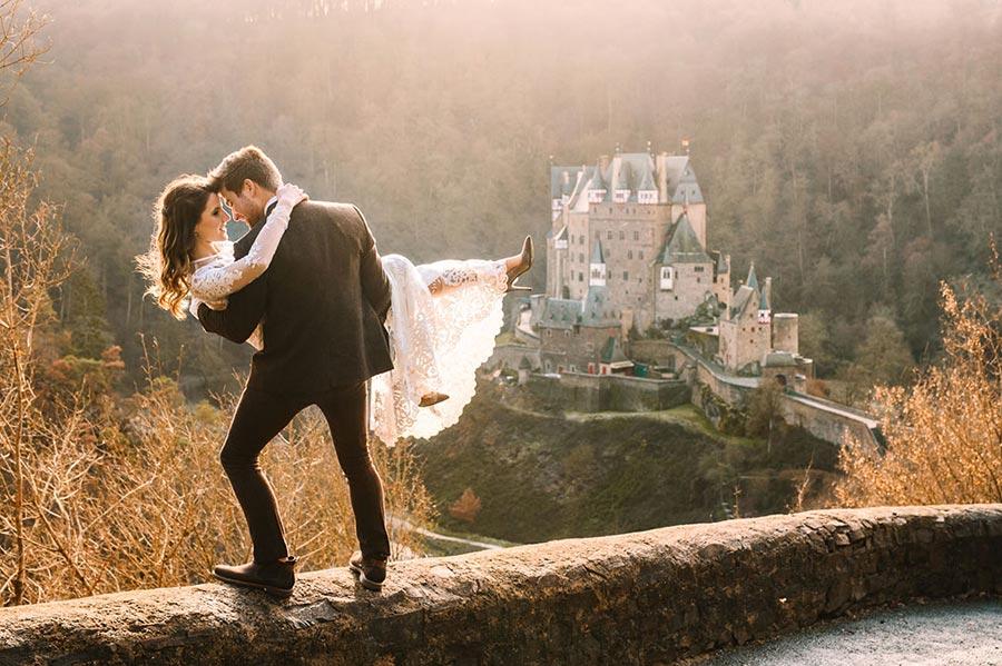 50 потрясающих поз для свадебной фотосессии 23