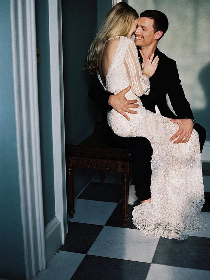 50 потрясающих поз для свадебной фотосессии 36