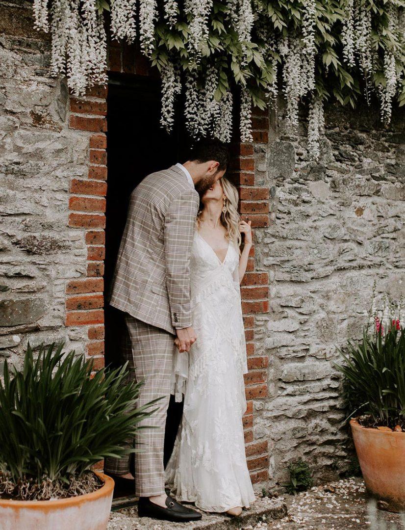50 потрясающих поз для свадебной фотосессии 6