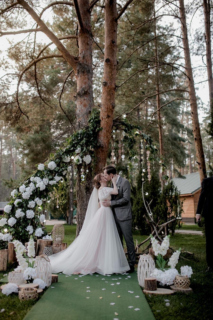 душевная свадьба тани и славы на природе 11