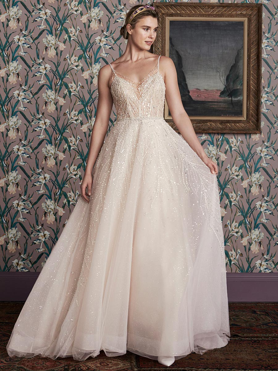 12 трендов в свадебных платьях 2021 10