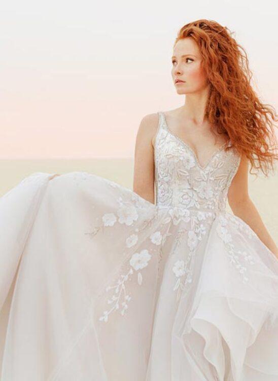 12 трендов в свадебных платьях 2021