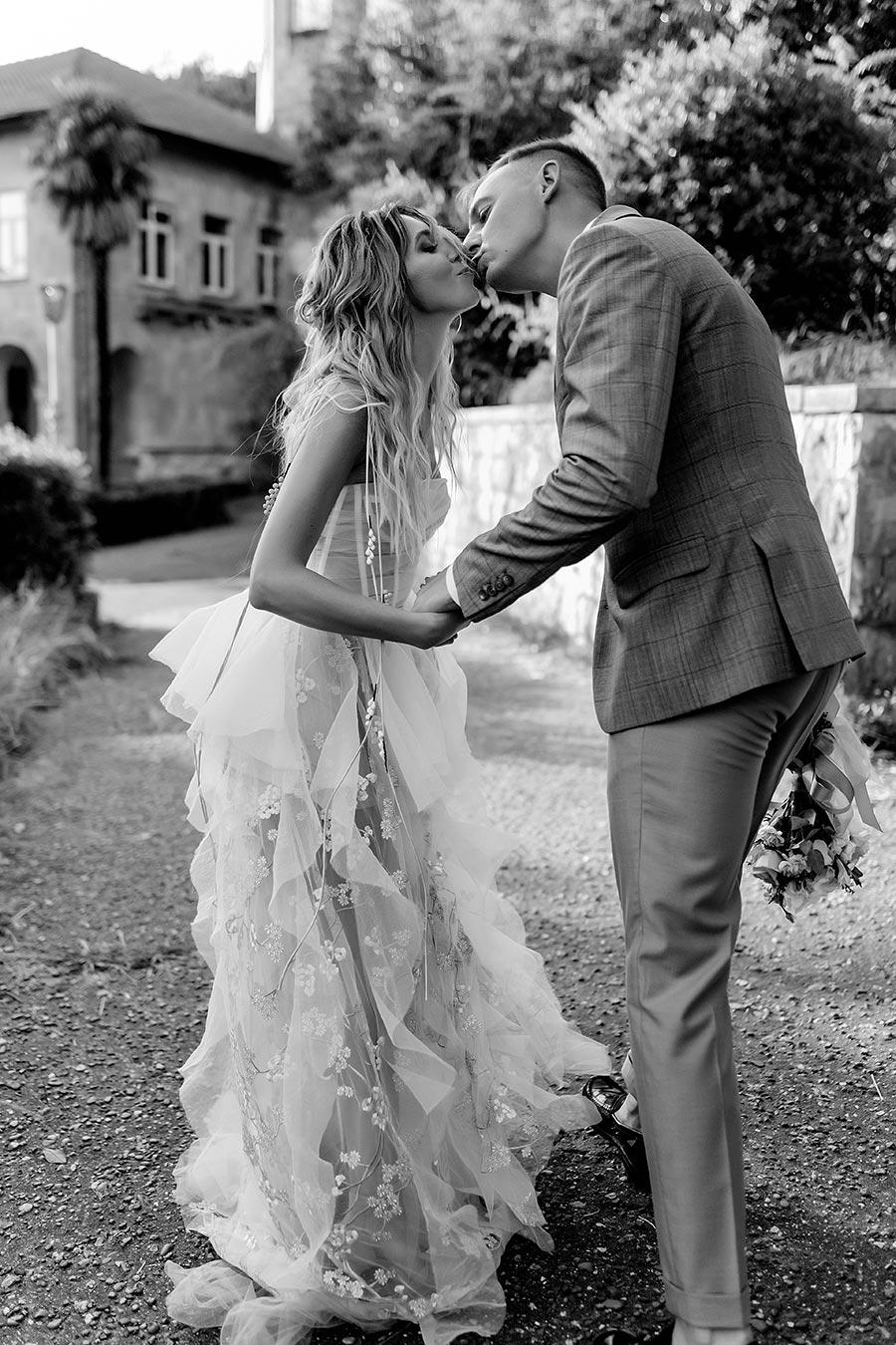 солнечная свадьба в сочи для двоих 11